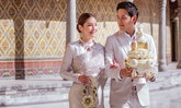 """เปิดภาพ """"ฟลุค-นาตาลี"""" เข้ารับประทานน้ำพระพุทธมนต์ สง่างดงาม คู่รักกิ่งทองใบหยก"""