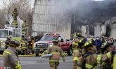 โรงงานเครื่องสำอางในนิวยอร์กระเบิด-ไฟไหม้ คนงานดับ 1 เจ็บอีกอื้อ